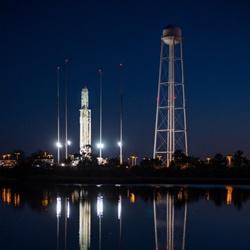 antares-cygnus-launch-pad-night